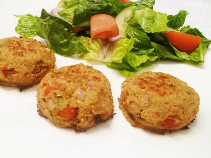 Roasted Red Pepper Salmon Patties