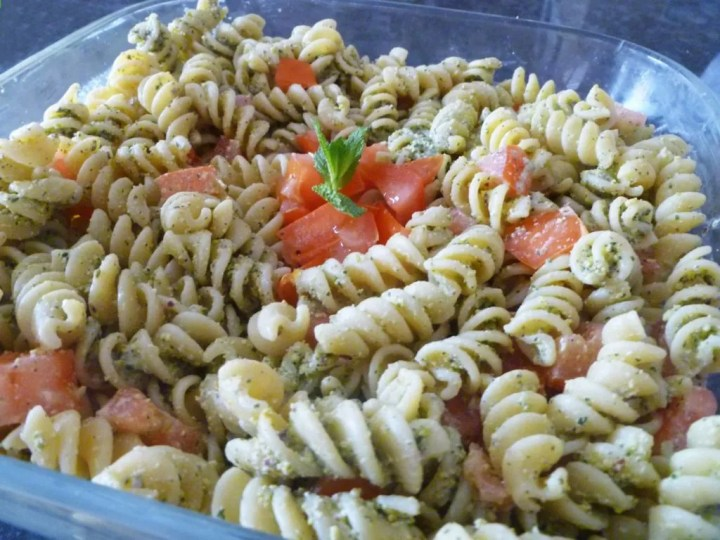 Mint Pesto -- Rich and creamy pesto pasta with a light and refreshing flavour. | thishappymommy.com