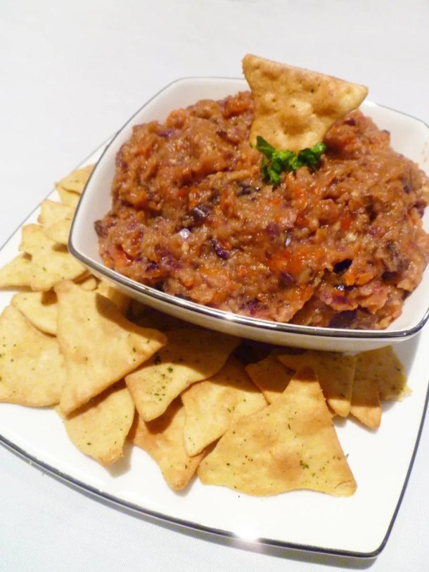 Roasted Eggplant Dip -- With a savoury roasted veggie flavour, this dip is tasty and satisfying. | thishappymommy.com