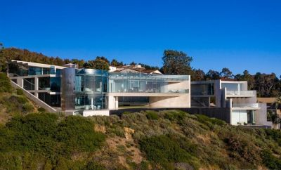 """Swizz Beatz talks with Architectural Digest about the $20m Iron Man """"Razor House"""" he purchased with wife, Alicia Keys"""