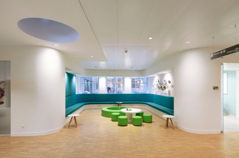 Children's Eye Center at Rotterdam Eye Hospital (Oogziekenhuis Rotterdam). Photo: Eklund Terbeek architecten