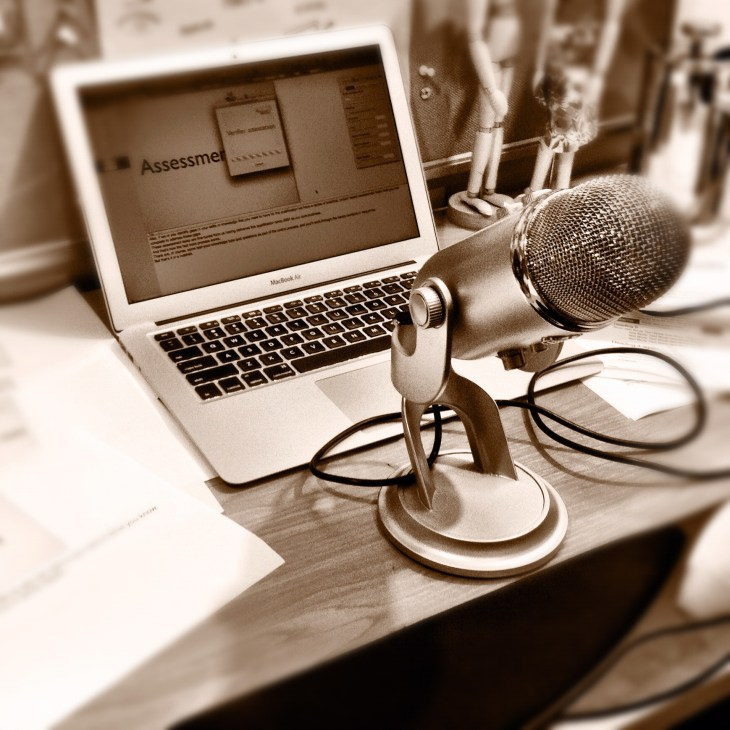 Which Microphone Does Sal Kahn Use? 1 Great Recommendation