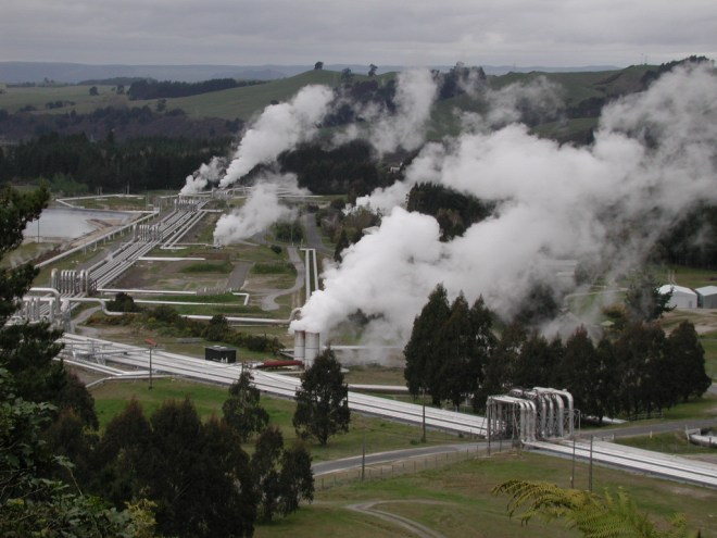 Steam_pipelines_towards_Wairakei_geothermal_power_station