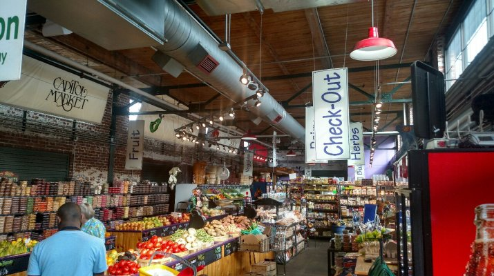 A Tour Of The Charleston Capitol Market A Gorgeous Farmers Market Like No Other