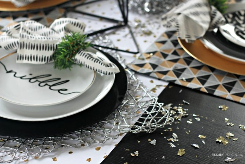 A Merry and Metallic Christmas Dining Room and tablescape | This is our Bliss Christmas Home Tour 2016