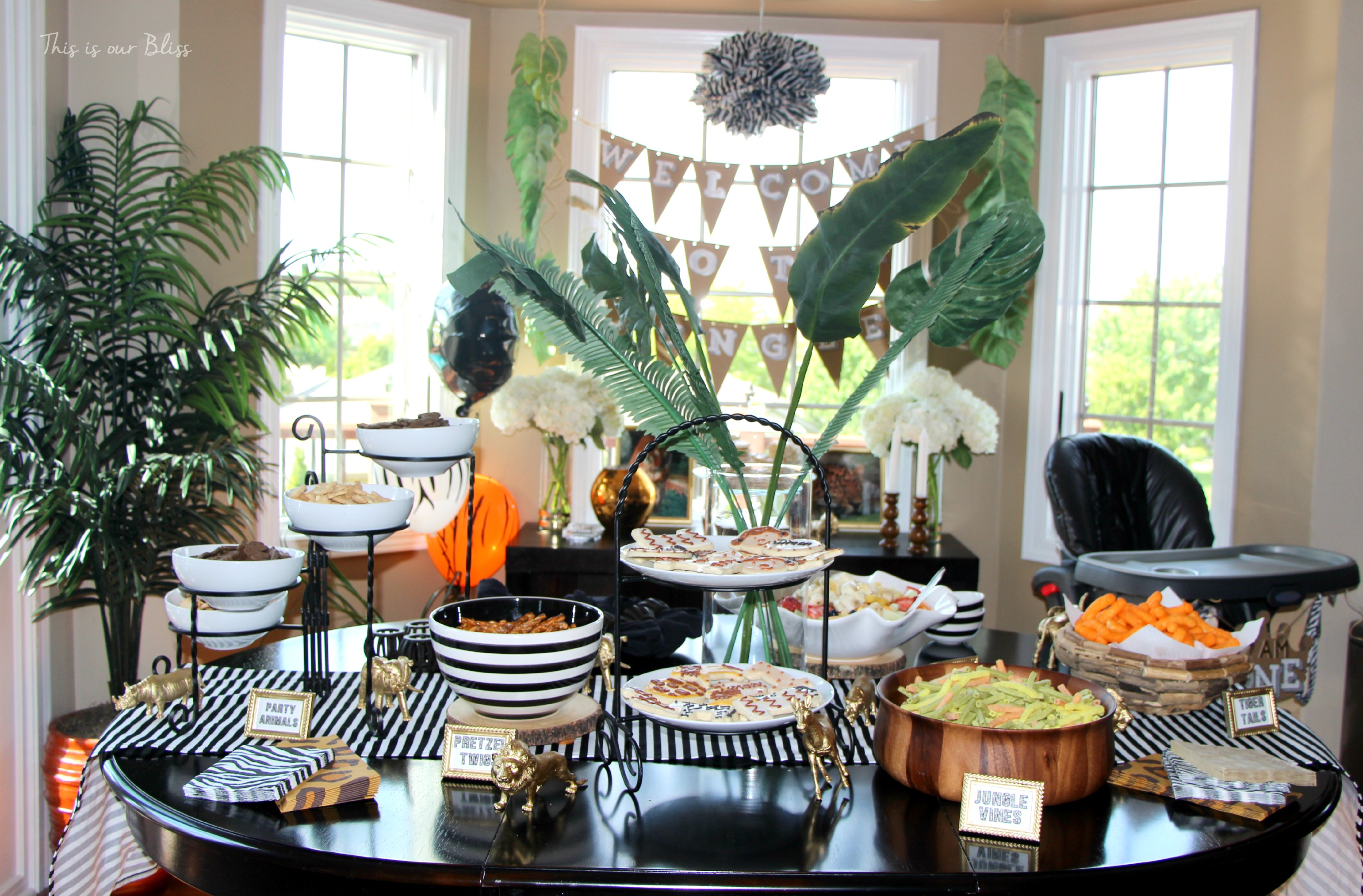 Safari style soiree source list 2 free party printables for Diy welcome home decorations