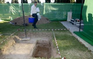 It is said that the biological profile of the remains of an infant buried in the 80s do not match the mother