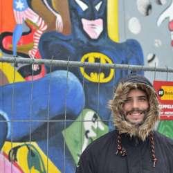 Kyke en muro de Berlin