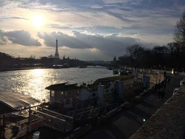 vistas de Paris desde el rio Sena