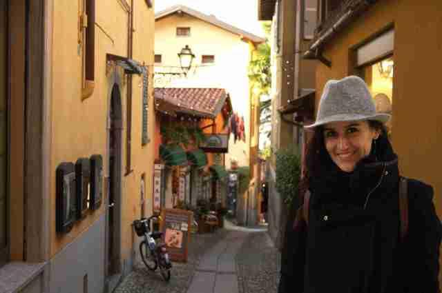 Angela callejeando Bellagio
