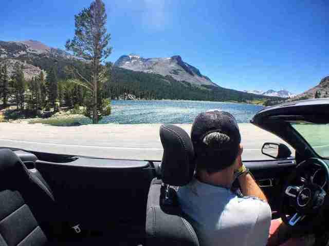 Tioga Pass en coche