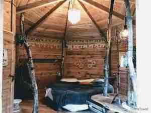 interior de la cabaña