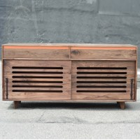 walnut_hardwood_dog_crate_cradenza_sq-15