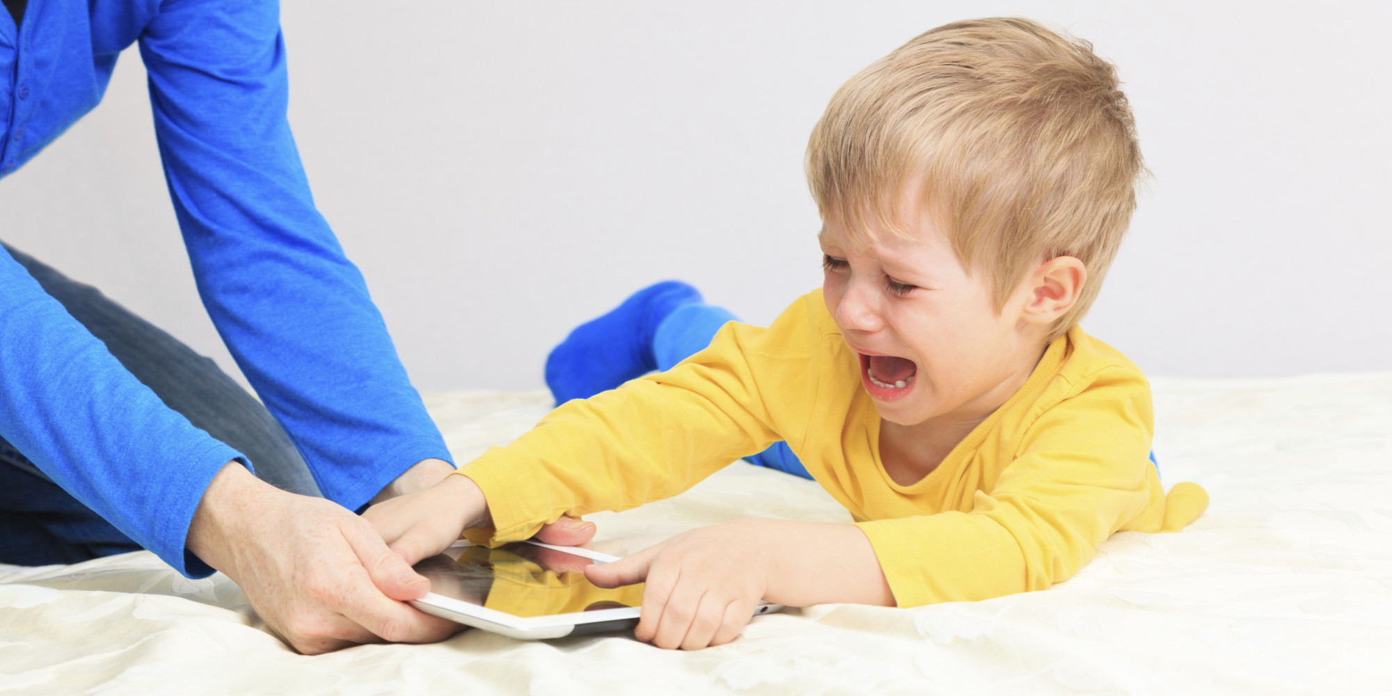Πώς να ΞΕκολλήσουν τα παιδιά από τις οθόνες; -Thisisus.gr