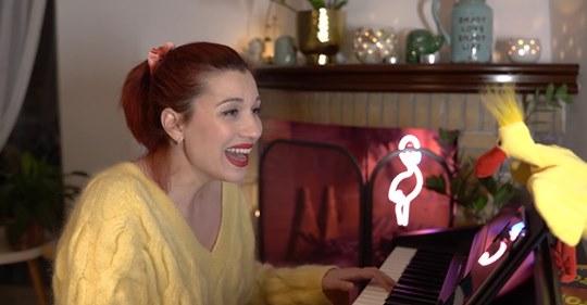 Η Πένυ Μπαλτατζή τραγουδάει παιδικά τραγούδια – Thisius.gr