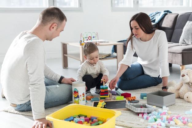 Γιατί είναι σημαντικό να ασχολούμαστε με τα παιδιά μας από νωρίς; Thisisus.gr
