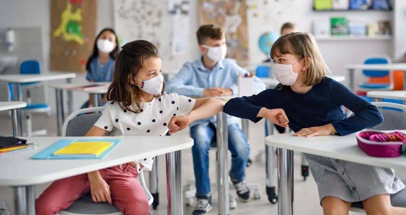 Ανατροπή με τα self test των μαθητών -Thisisus.gr
