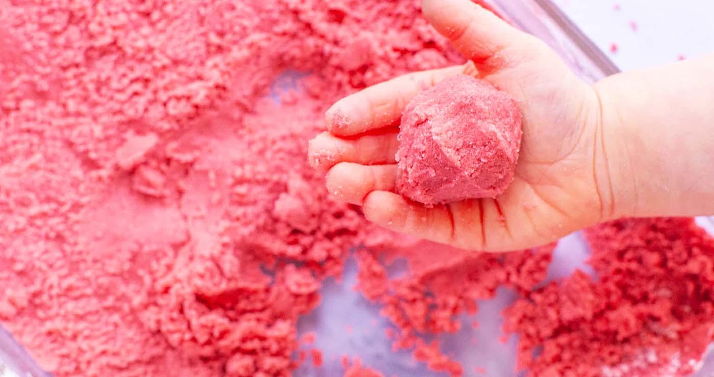 Φτιάξτε Μαγική Άμμο (Kinetic Sand) με 3 απλά υλικά -Thisisus.gr