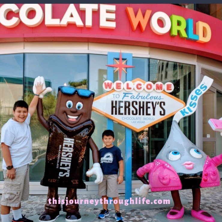 What can you do in Las Vegas with kids? Find out right here! Kid-friendly activities. Hershey Chocolate World plastic figurines outside