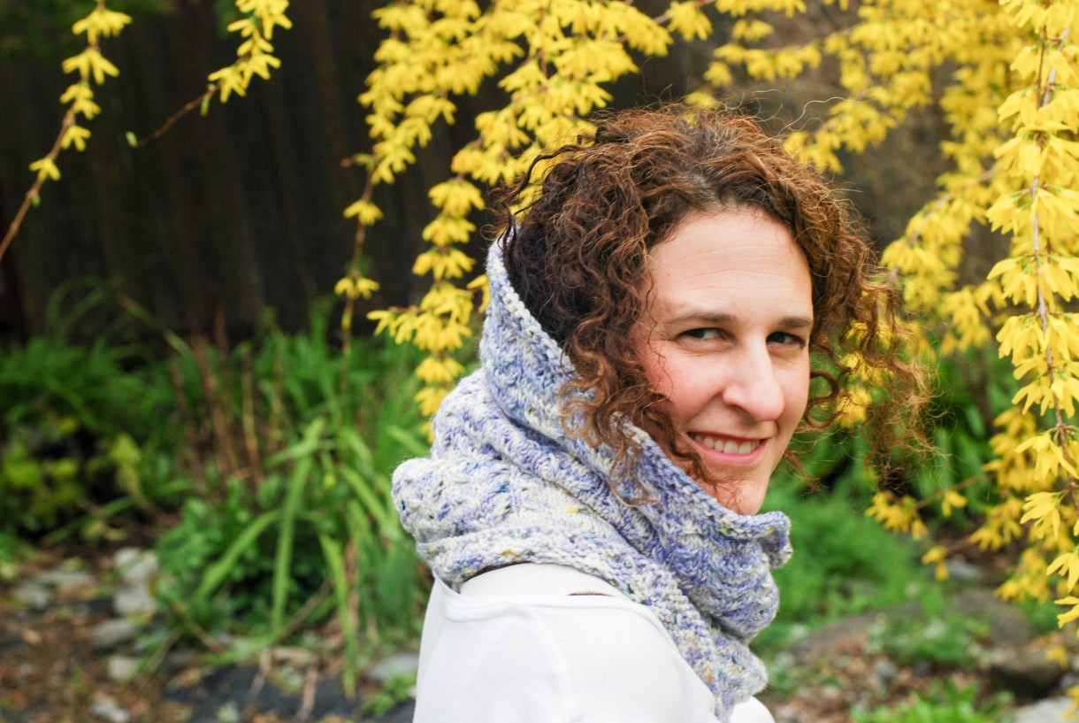 Pansyland Cowl knitting pattern by Andrea @ This Knitted Life