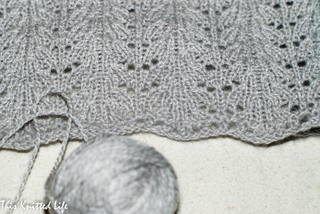 Super soft cowl knit with Woolfolk Sno with a simple, easy to follow pattern.