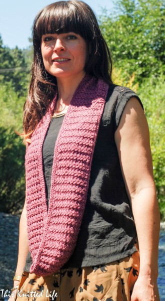 Linto Creek Cowl pattern by Andrea @ This Knitted Life. No cabling. No rolling. Knit in the round, so no seaming. Easy!
