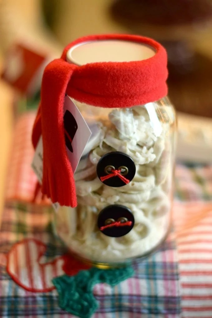 Snowman Jar: Christmas Gift Ideas by This Little Home of Mine