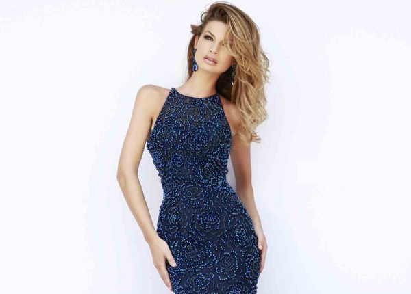 TRENDY NOT TRITE | HOMECOMING DRESS COLOURS