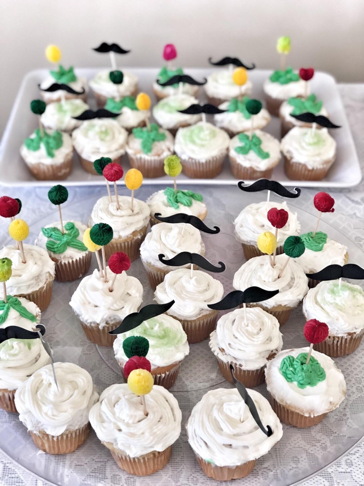 mustache cupcakes for fiesta