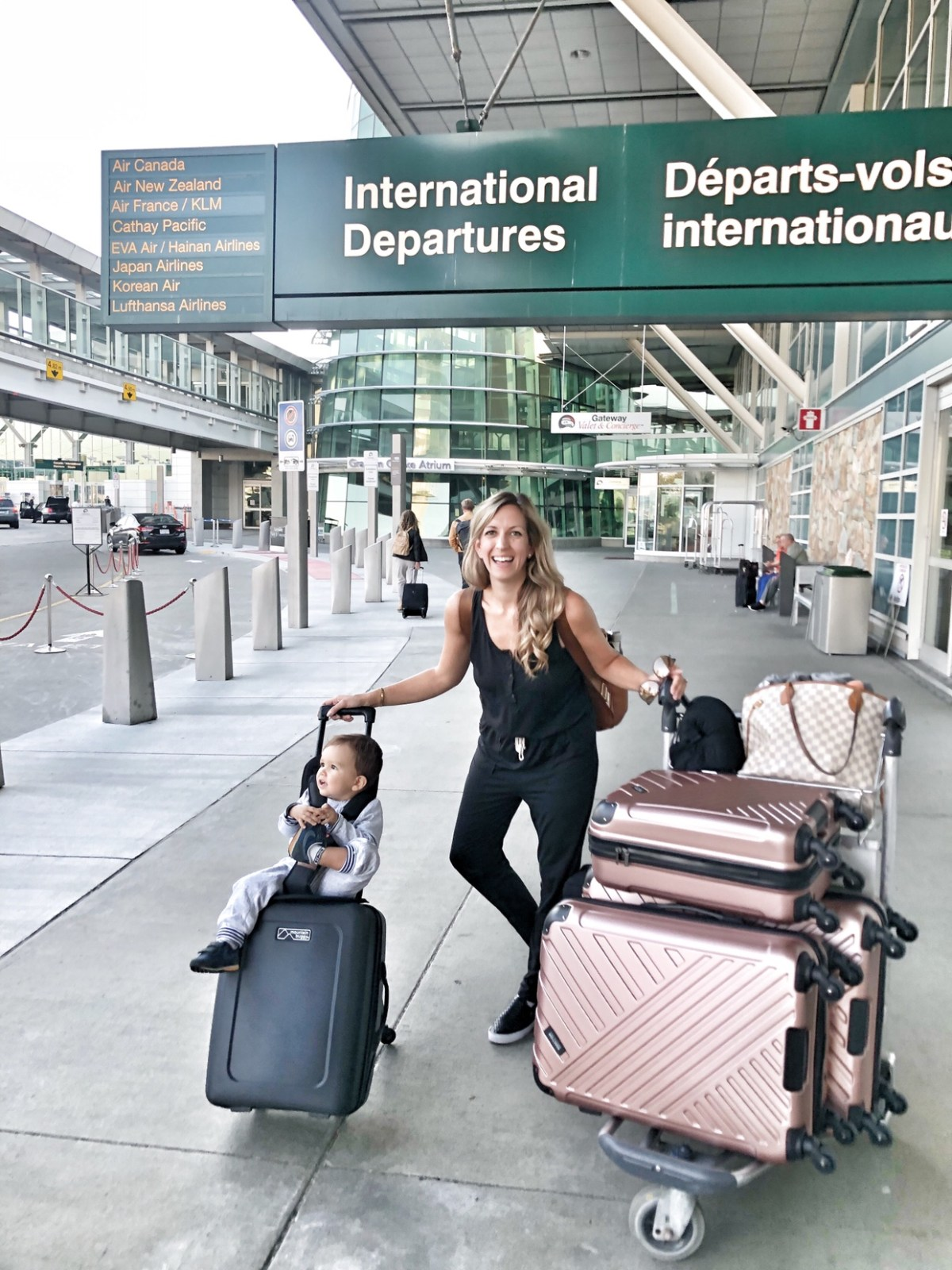 vancouver airport mom travel tips