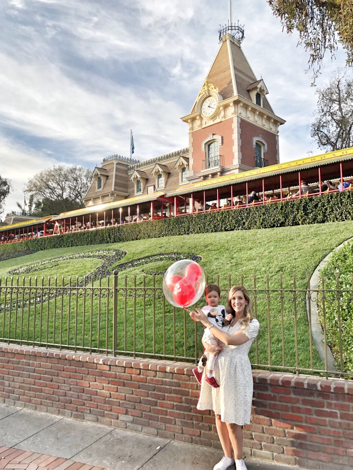 Top 10 Disneyland Rides for Toddlers and Ones to Avoid!