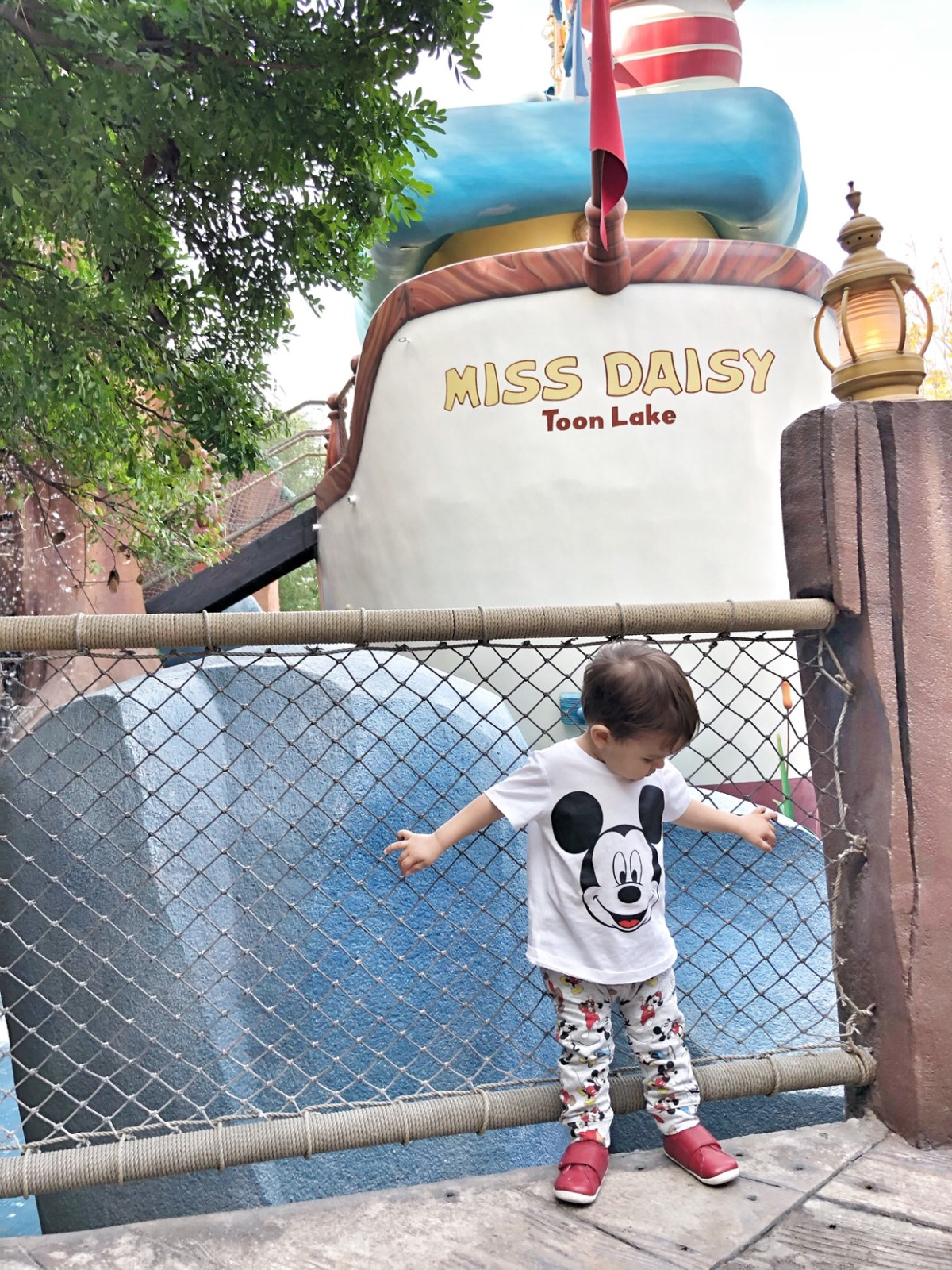Toddler in Toon Town