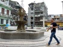 Small square behind Largo di Senado