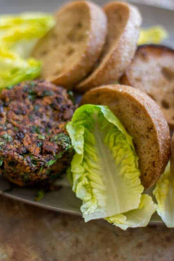 Autumn Spiced Veggie Burgers recipe by @beardandbonnet on www.beardandbonnet.com