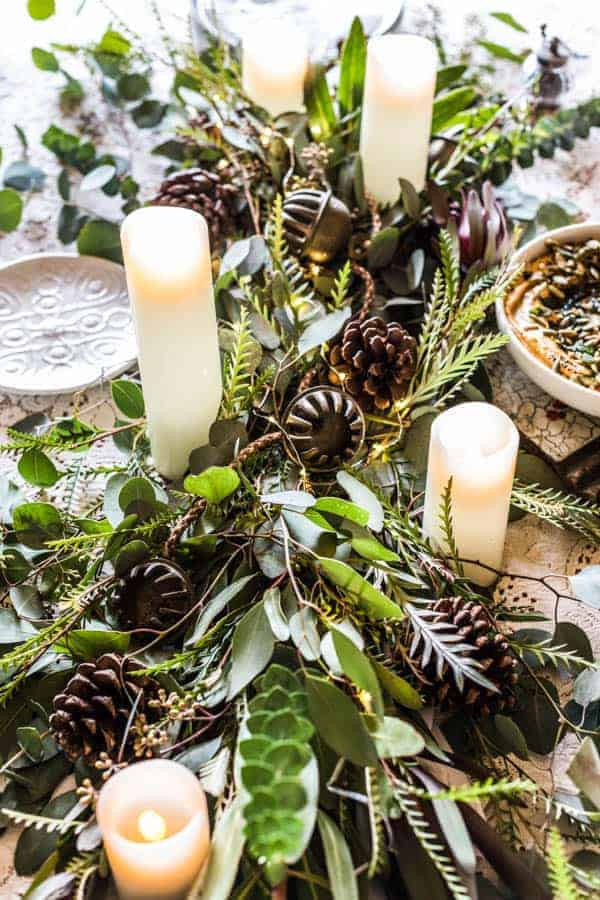 How To Create A Festive Holiday Table Centerpiece || Easy tips for creating the perfect tablescape for the holidays. || @thismessisours #friendswhofete #diy