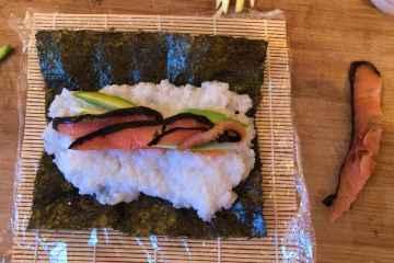 sushi con salmone affumicato ricetta