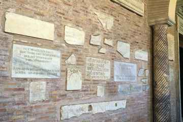 Iscrizioni vecchio nuovo testamento basilica santa sabina