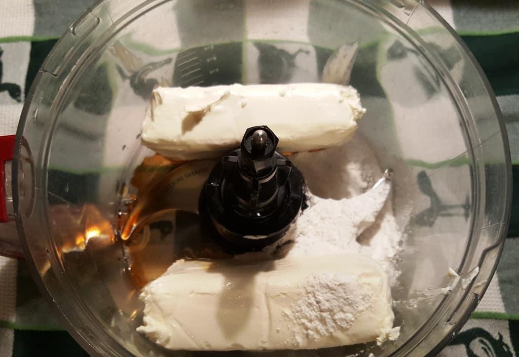 Cream Cheese, Vanilla, Sugar, Crème de Cocoa