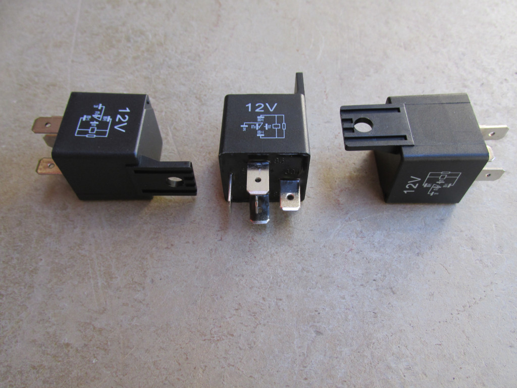 5 Pin Mini Relay With Mounting Bracket. $5.00 12732500