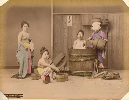 Home bathing (1900s), by Kusakabe Kimbei