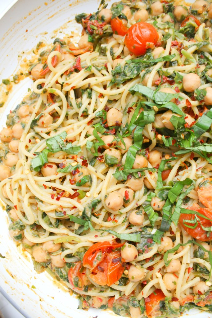 This Creamy Vegan Sun-Dried Tomato, Chickpea, Hummus Spaghetti is a simple dinner recipe that is filling, comforting and delicious | ThisSavoryVegan.com #thissavoryvegan #vegan #veganpasta