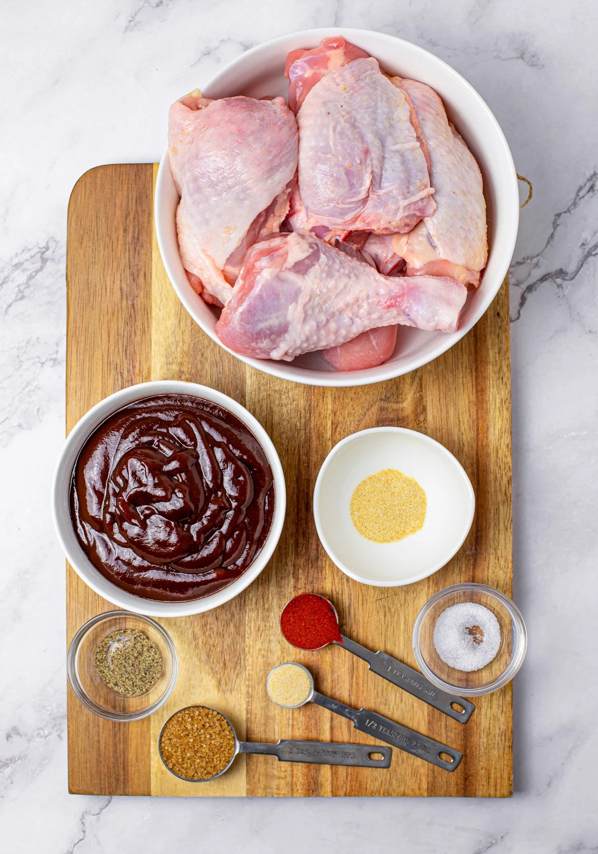 Ingredients needed to make Sticky Slow Cooker BBQ Chicken