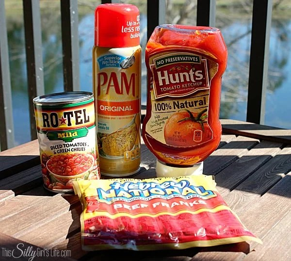 Mexican Style Hot Dogs with Spicy Tomato Onion Relish, perfect for a fun Summer cookout! #CollectiveBias