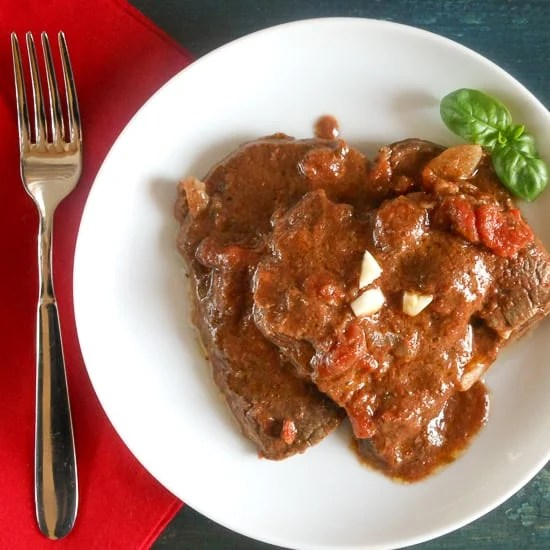 Fettina Pizzaiola {Sliced  Beef in Tomato Sauce}, beef stewed in a flavorful tomato sauce, perfect to serve as is or as a sandwich in warm crusty bread!