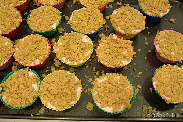 Top with cookie crust, evenly distributing the crumbs. Pat down the crust with the back of a spatula so the crust will have an even surface. Place in fridge for at least 4 hours or until set.