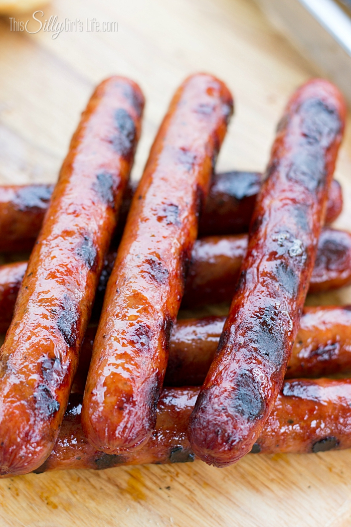-Chili Sauce- Chili Cheese Hot Dogs from ThisSillyGirlsLife-6
