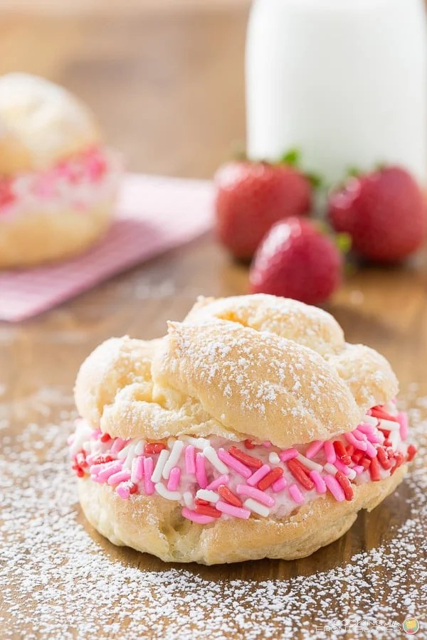 Cream Puffs with Strawberry Filling
