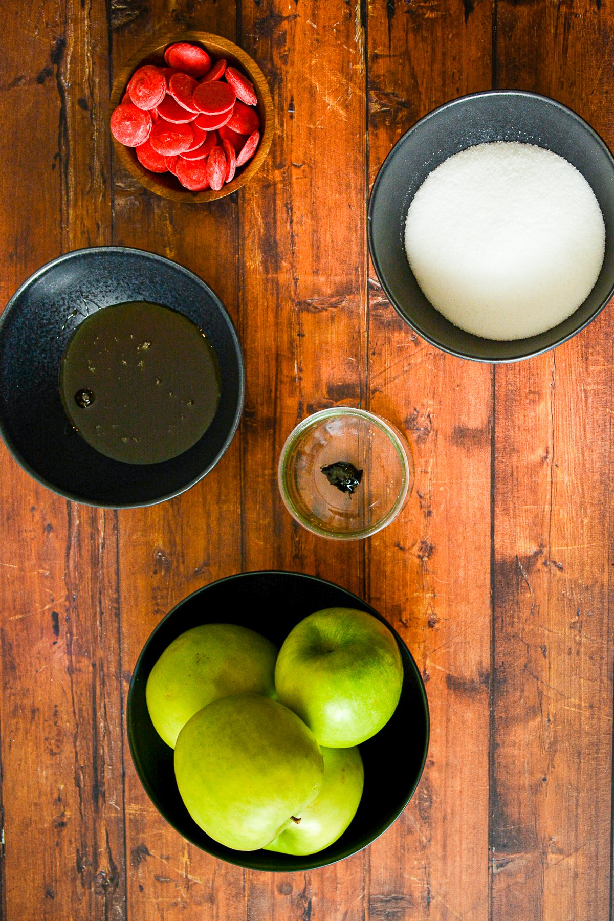 Ingredients needed to make Poison Apples.