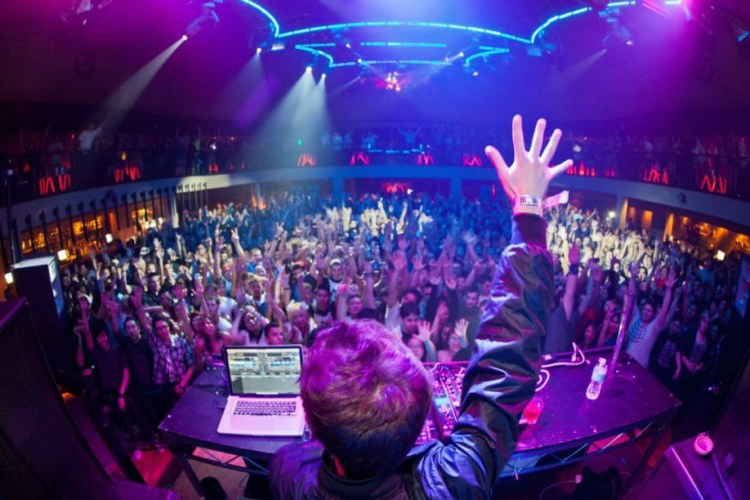 Zedd - Stars Come Out (Datsik Remix) : Filthy Dubstep Remix + Bonus Remixes from Terravita