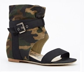 Everything 5 pounds camouflage sandals